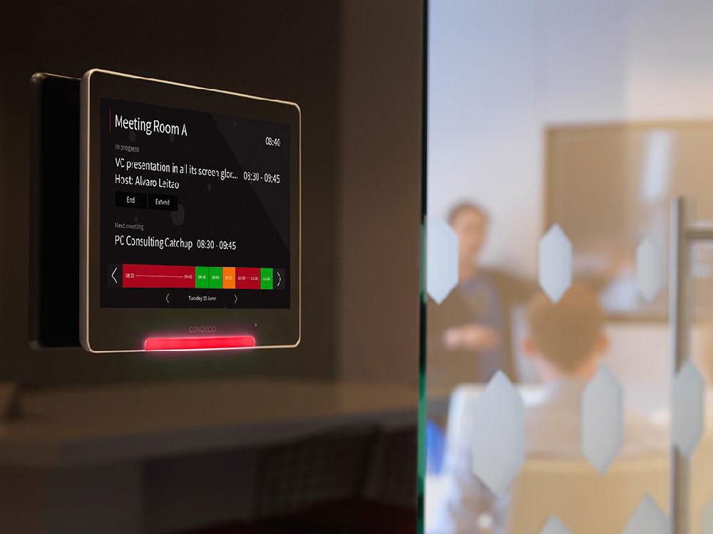 Réservez facilement votre salle de réunion avec l'écran Condeco